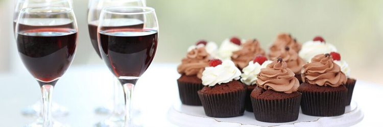 Red wine and dessert cupcakes